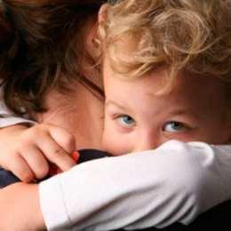 Porque devemos abraçar os nossos filhos quando agem mal?