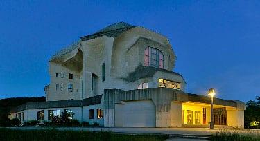 El Goetheanum, Dornach, Suiza  Arquiteto: Rudolf Steiner