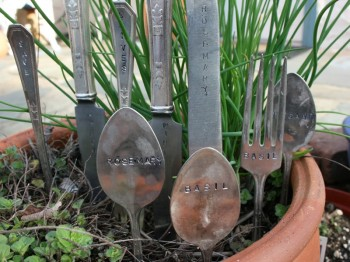 6-Projects-that-Use-Recycled-Materials-for-Your-Garden2-350x262