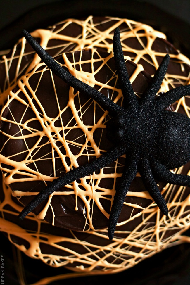 How to create a Spider Web Cake | URBAN BAKES