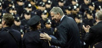 Cops Turn Their Backs as De Blasio Eulogizes Second Police Officer Slain in NYC