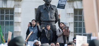 1,000 Muslims Protest Against Charlie Hebdo Cartoons In Front of British Prime Minister's Residence