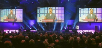 "For Super Bowl Sunday, Pastor Craig Groeschel Preaches ""30 Second Theology"" from Commercials"
