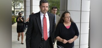 Kentucky Clerk Who Refused to Issue Gay Marriage Licenses Testifies In Court