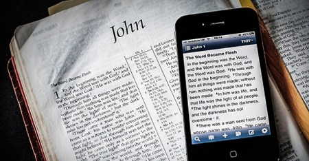 print-vs-digital-Bible