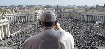 Pope Francis Denounces Terrorism on Easter Sunday
