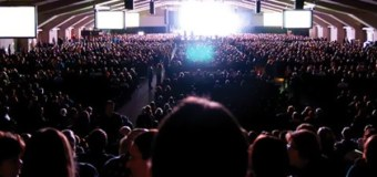 Social Life In the Megachurch: More People, Looser Ties