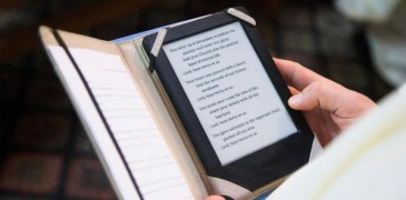 Smartphones, Social Media Raise Questions About the Future of Christianity