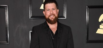 """Zach Williams' """"Chain Breaker"""" Spends 15 Weeks at No. 1"""