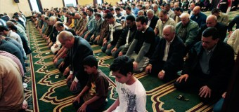 Islam Projected to Overtake Christianity as World's Largest Religion by End of Century