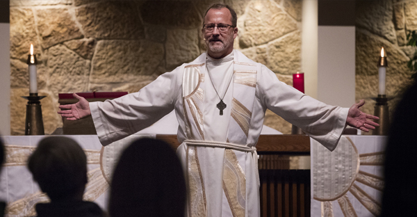 The Rev. Ed Treat led a Wednesday night service at Transfiguration Lutheran Church in Bloomington. (CARLOS GONZALEZ, STAR TRIBUNE)