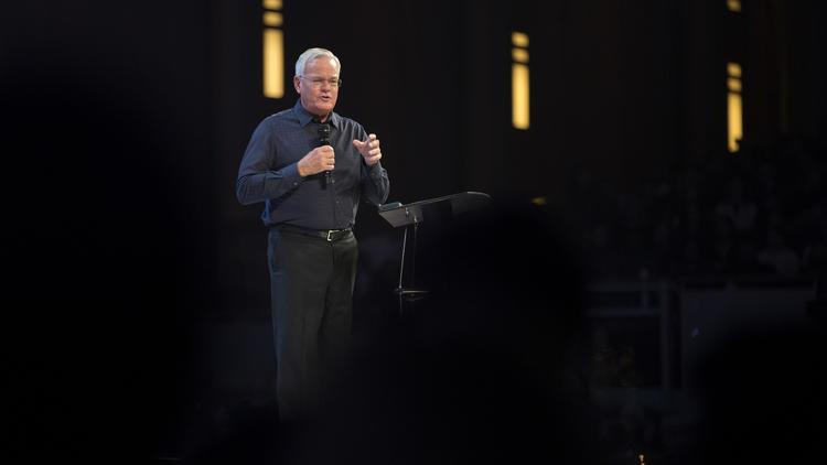ct-willow-creek-pastor-bill-hybels-photos-20180322.jpg