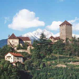 Castel Tirolo è stato l'ispiratore della location di Amailija