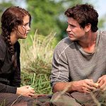 hunger-games-movie-image-jennifer-lawrence-liam-hemsworth-02
