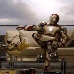 iron-man-3-iron-man-si-riposa-sul-divano-in-una-scena-del-film-268845