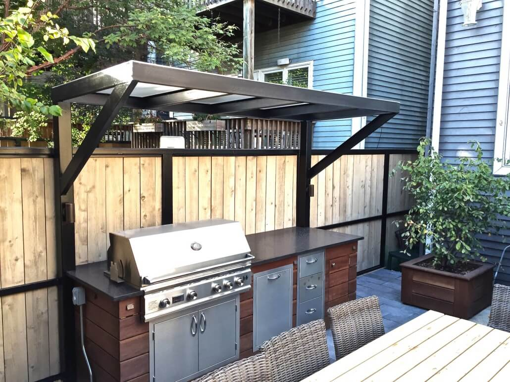 Patio With A Fireplace And A Gas Grill In Chicago - Grill Outdoor