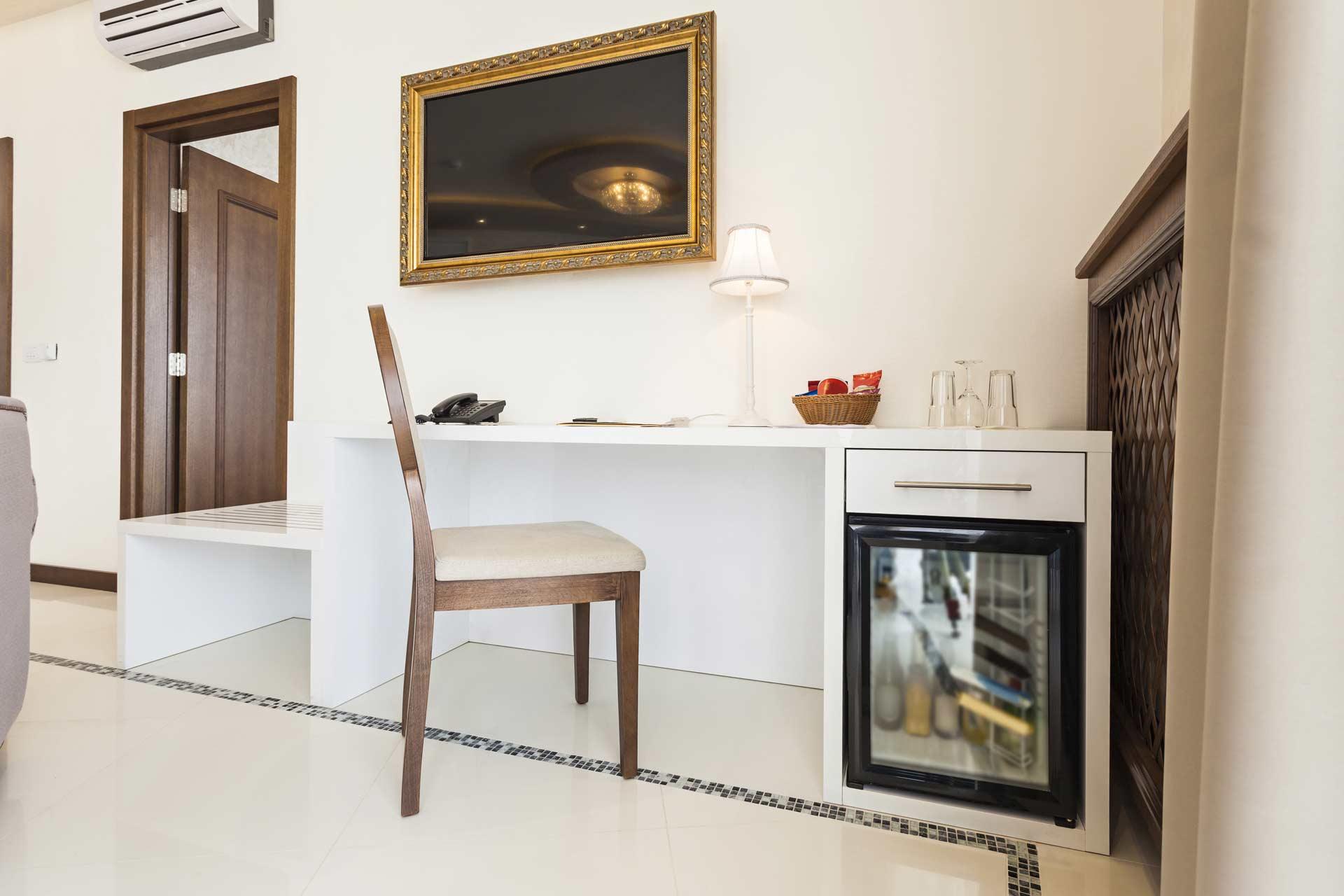 Dms Mini Kühlschrank : Minibar kühlschrank mini kühlschrank 65 liter minibar weiß