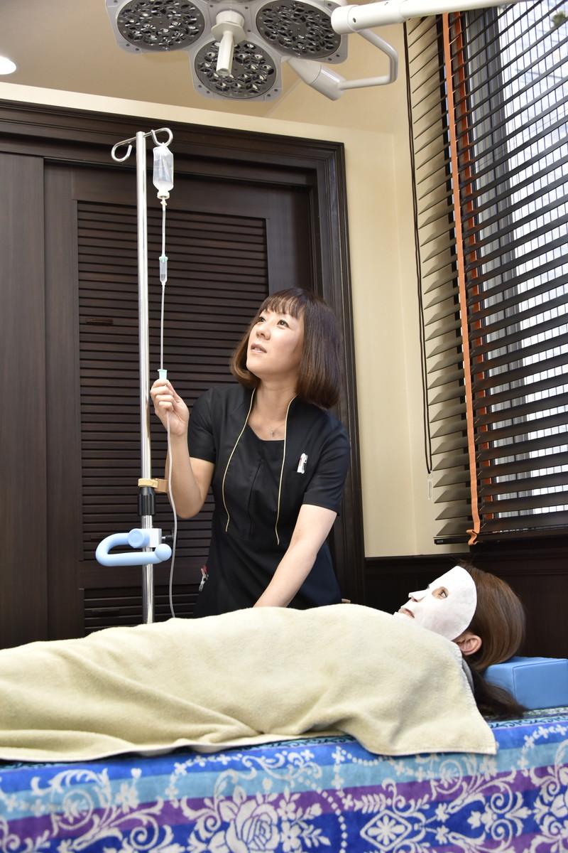 ビタミンC大量点滴。顔のくすみ、お肌と体の疲れ、新しいしみ予防に最も効果的です。