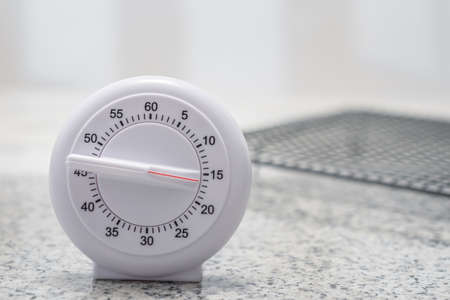 set a 4 minute timer - zaxa