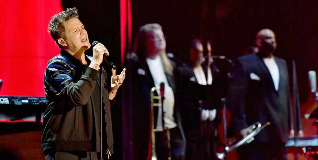 Alejandro Sanz Announces La Gira U S Tour Dates