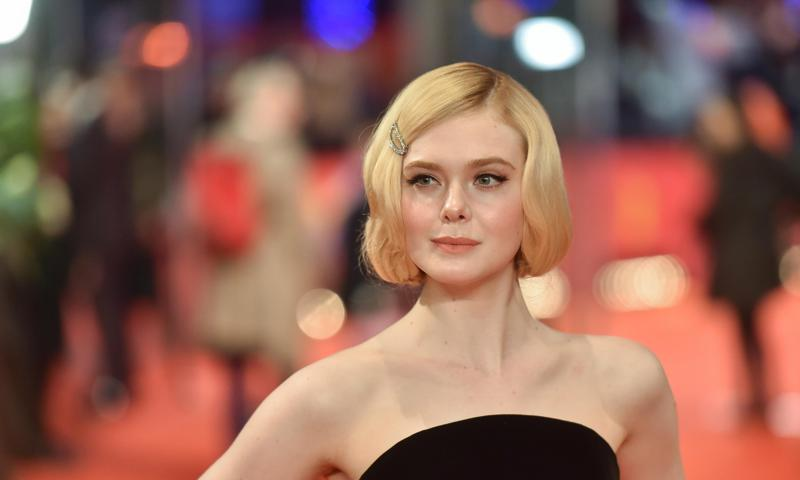 Hair Braids Thailand Brad Pitt 39;s Latest Look Alike Is Elle Fanning See The Photo