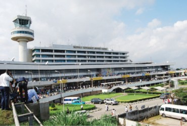 USAfrica BrkNEWS: 120 Nigerian-Americans STRANDED at Lagos Airport due to United Airlines cancellation.