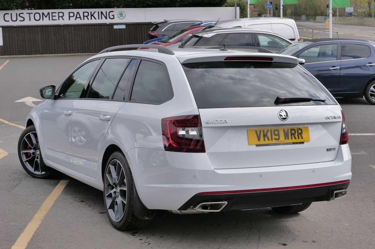 Skoda Octavia Vrs Estate Find A Used White Škoda Octavia Vrs Estate 2 Tsi Vrs