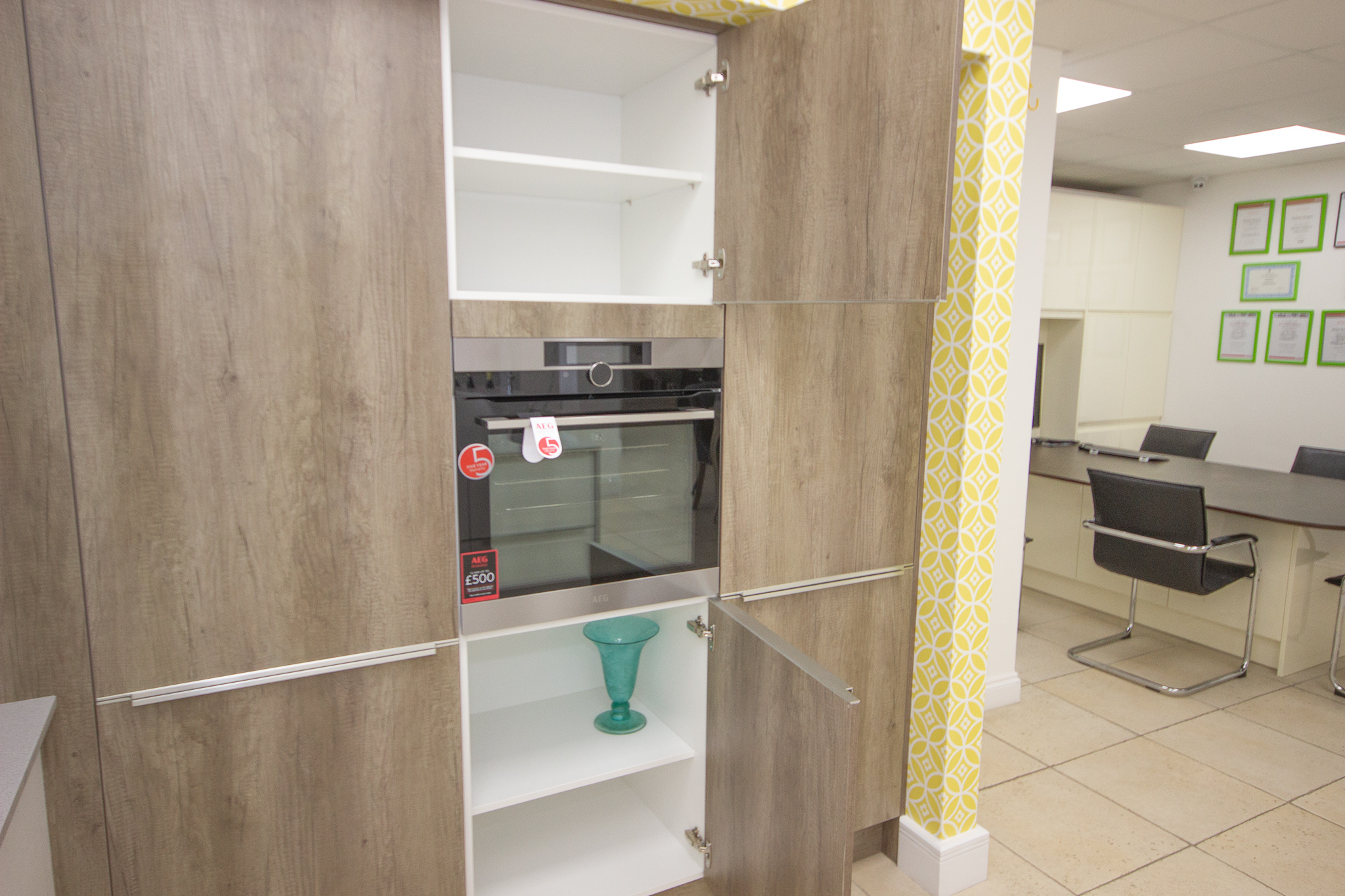 Used Kitchen Cabinets For Sale Orlando Fl Rrp 12 250 Gallery Inline Gloss And Orlando Dark Oak Ex