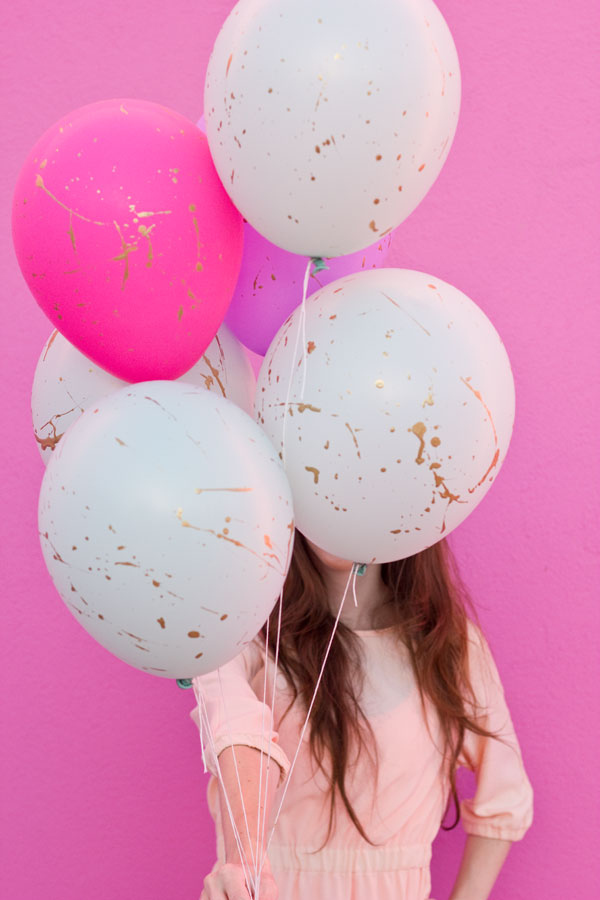 32 creatively ingenious diy projects to do with balloons for Diy balloon projects