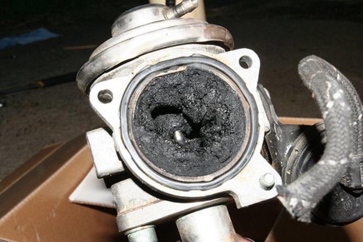2009 pt cruiser fuel filter