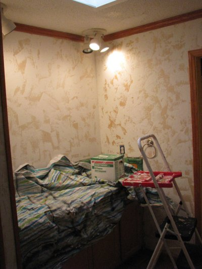 How to Hand-Plaster Walls to Cover Wallpaper and Damage | Dengarden