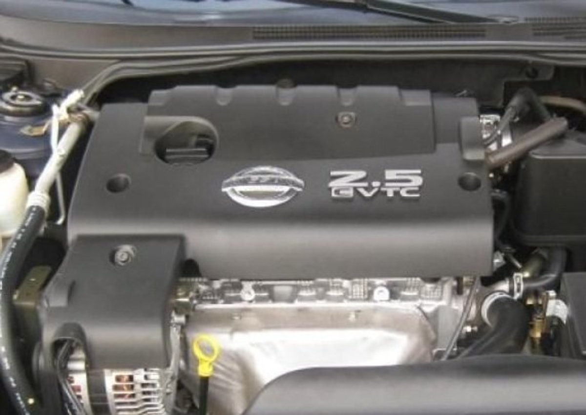 How to Replace the Spark Plugs on a 2006 Nissan Altima 25-Liter