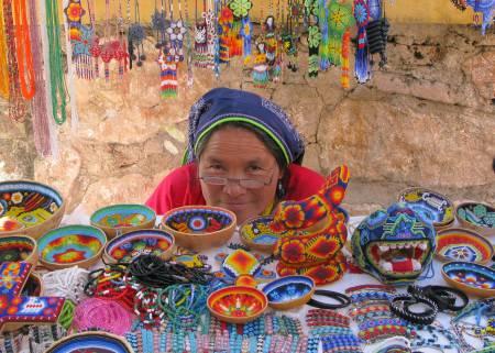 Que Visten Los Huicholes