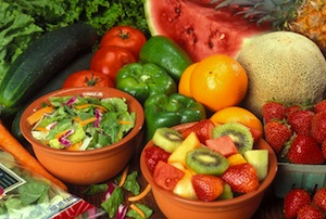 Fresh_cut_fruits_and_vegetables