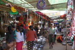 Le marché de Old Bagan