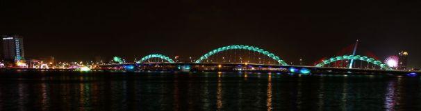 "Le pont ""dragon"" de Danang"