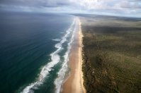 """""""75 miles Beach"""", l'une des rares plages au monde où il est permis de s'y poser et de décoller"""
