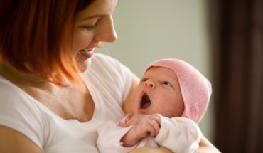 mother-and-newborn-baby-girl.jpg