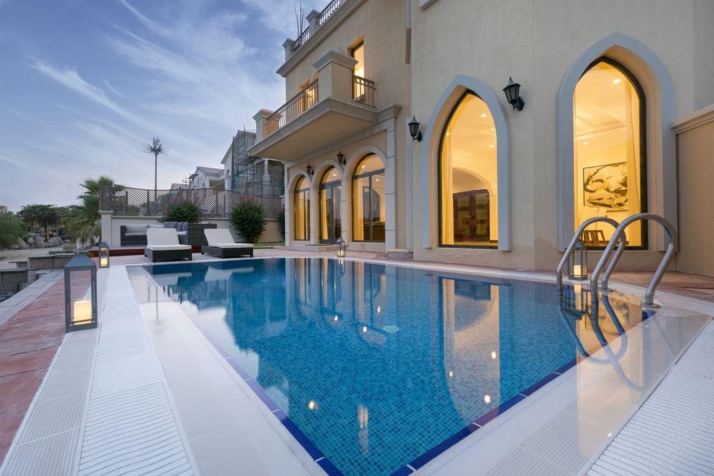 Luxury Holiday Villa With Pool Dubai Holiday Villas Luxury Palm Villa With Private Beach Pool