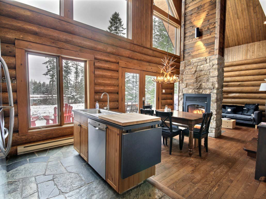 Cuisine Chalet Bois Quebec Holiday Cottage Rentals Is On The Otter Lake