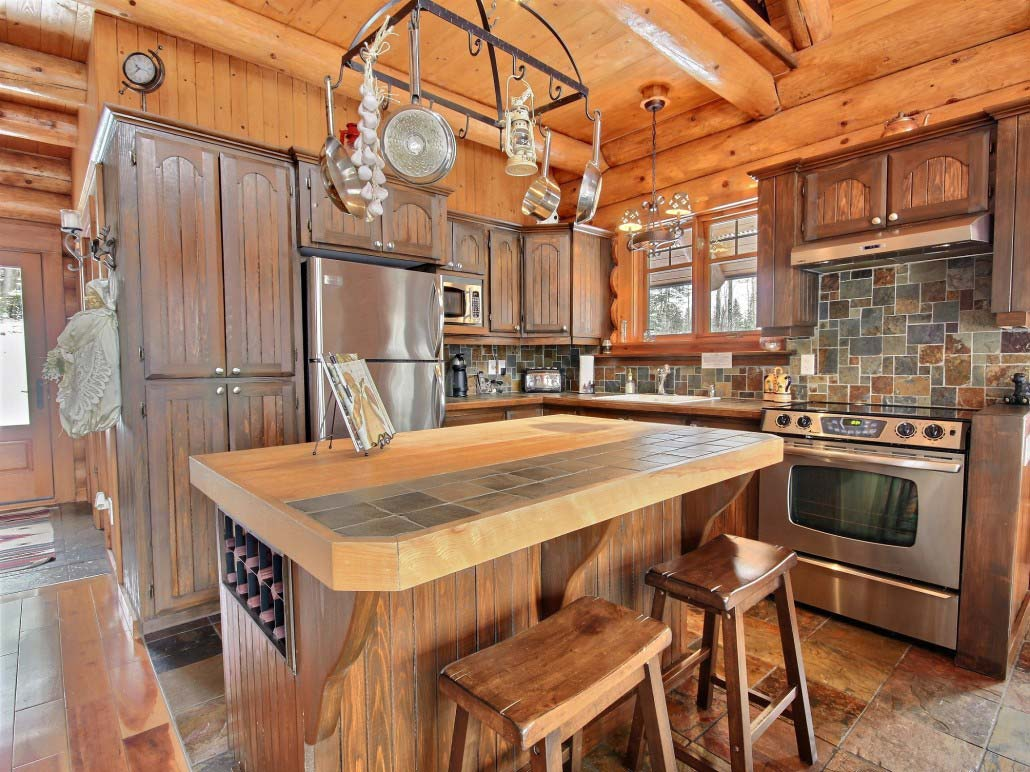 Cuisine Chalet Bois Quebec Holiday Cottage Rentals Close To Heron Lake