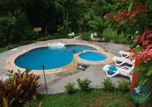 Bosquezuma Lodge Pool Garden