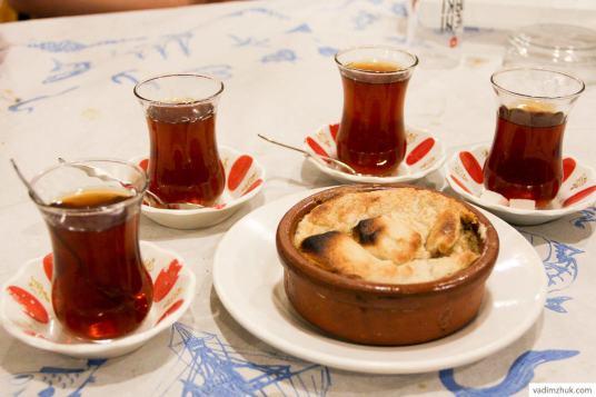 Турецкий чай и горячая халва