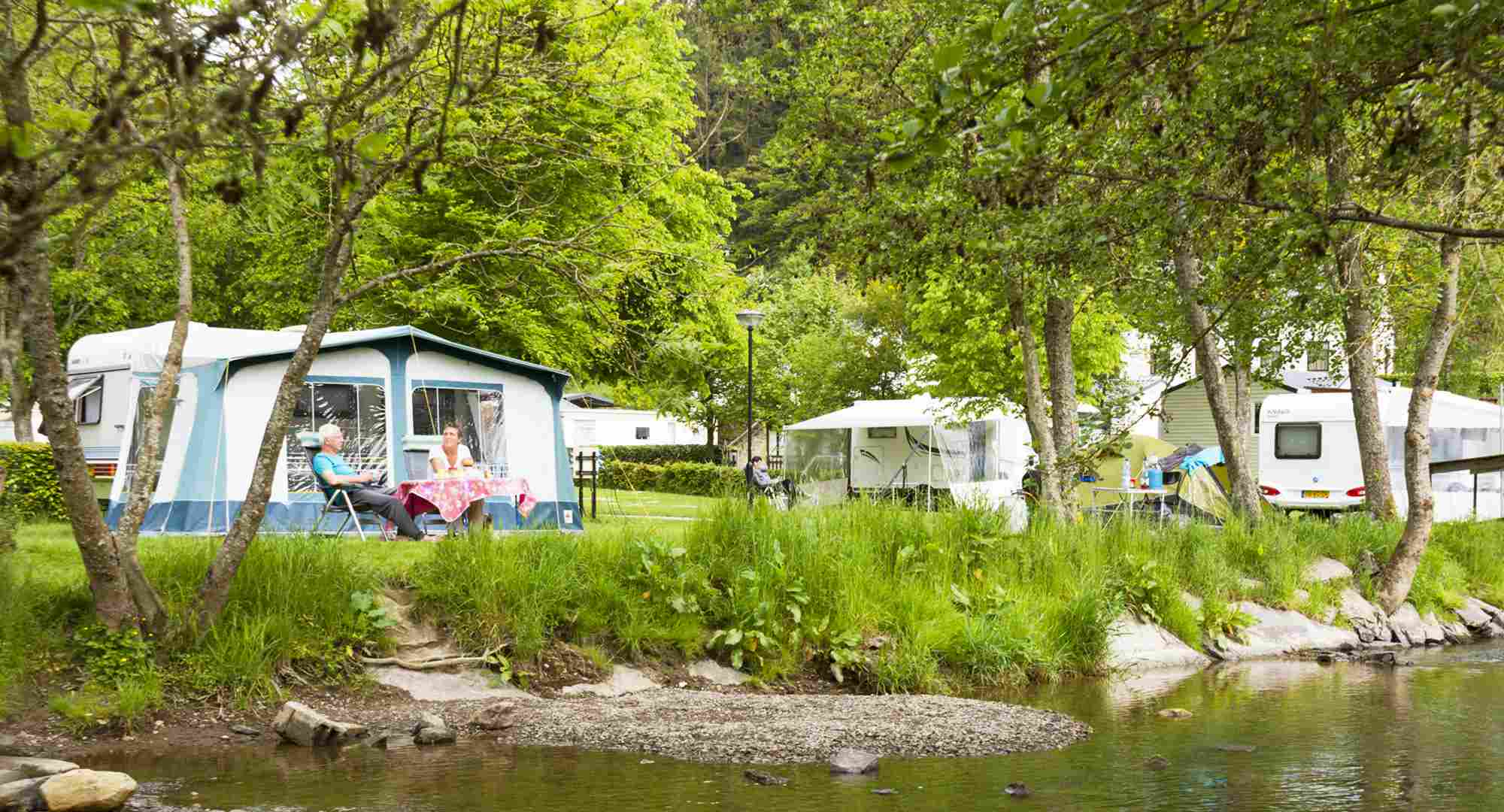 Charme Camping Nederland Met Zwembad Charmecamping Luxemburg Val D Or Camping Val D Or