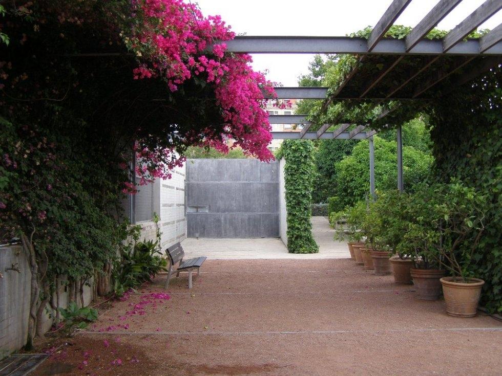 10 lugares rom nticos de valencia para perderte con tu for Jardin hesperides