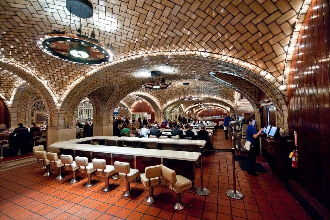 The Oyster Bar, Grand Central Terminal, New York City. Fuente: www.touristsbook.com