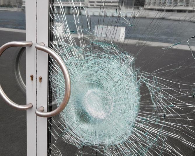broken glass replacement window