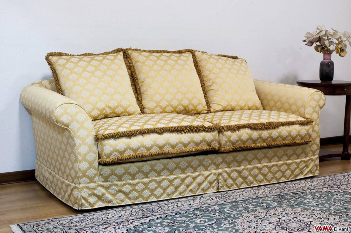 Divani Classici In Tessuto Damascato Fabric Removable Cover Sofa Characterised By A Classic