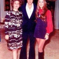 Janelle McComb, Elvis e a atriz e compositora americana Linda Thompson