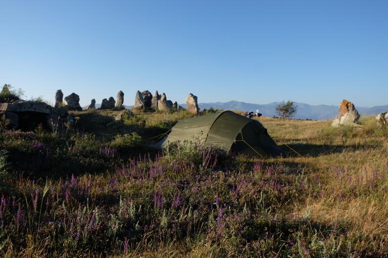 Kamperen bij het Armeense Stonehenge